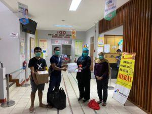 Kegiatan sosial Alumni SMAN 1 Bogor melawan Covid19